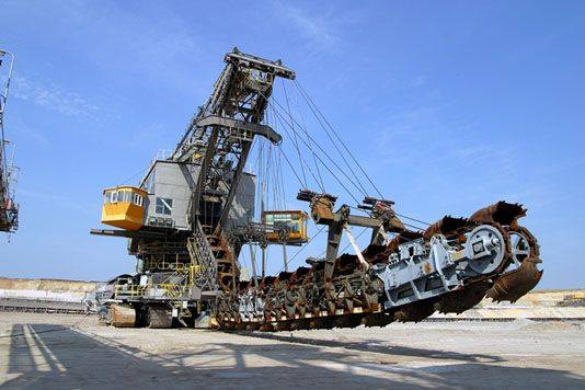 The Biggest Heavy Equipment In The World - 50 Images